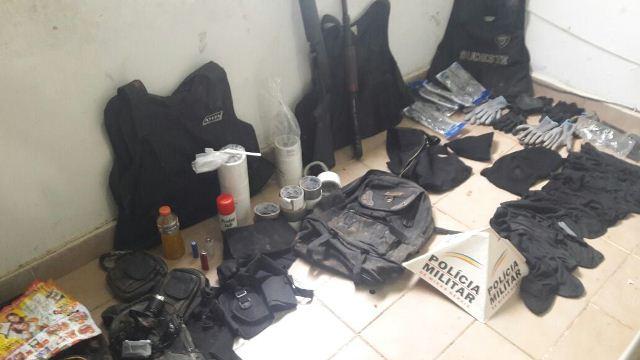 Material apreendido pela Policia Militar