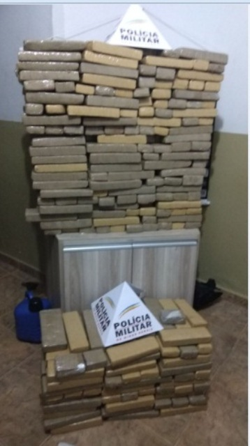 Droga apreendida pela Policia Militar de Araxá/MG